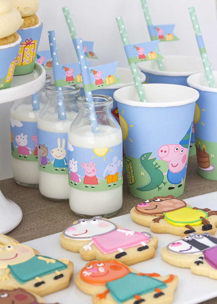 Peppa-George-Pig-Birthday-Party-via-Karas-Party-Ideas-KarasPartyIdeas.com10
